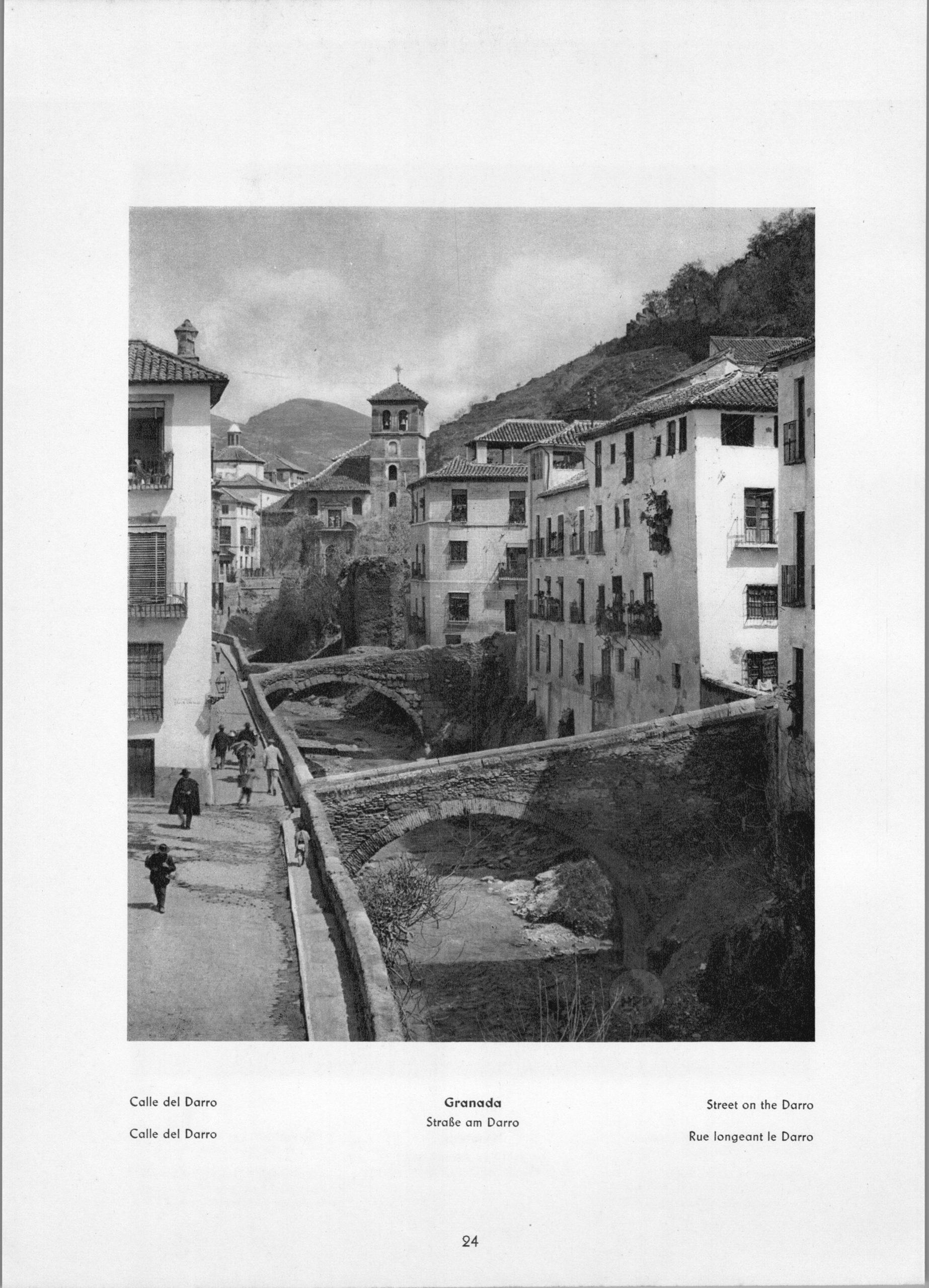 Granada Darro - Street on the Darro