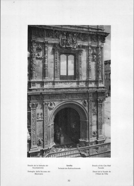 Photo 030: Sevilla City-Hall – Details of the City-Hall