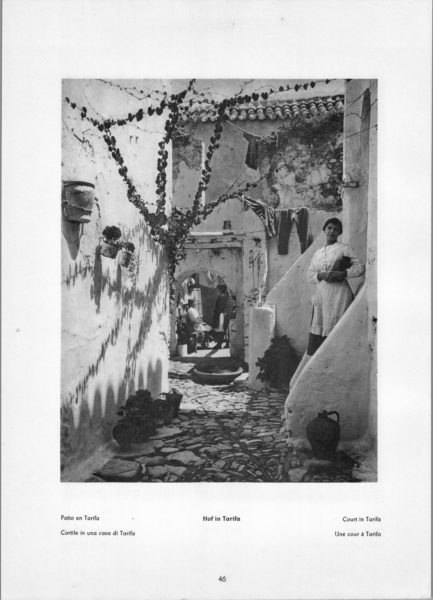 Photo 046: Tarifa – Court in Tarifa