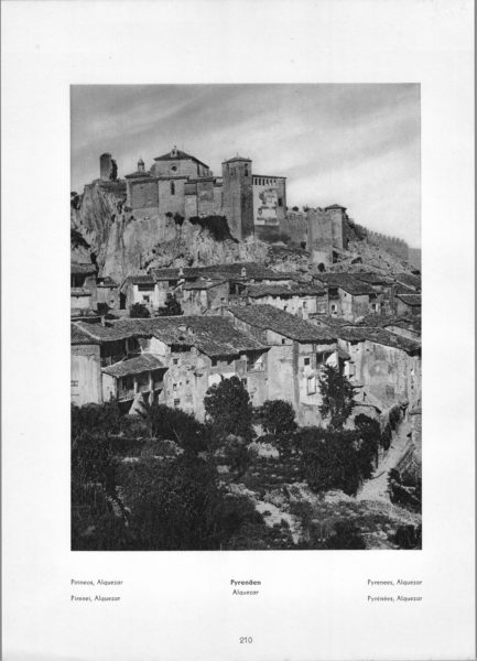 Photo 210: Pyrenees Alquezar – Village